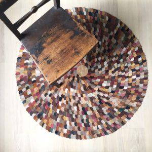 Circleddot_lädermatta