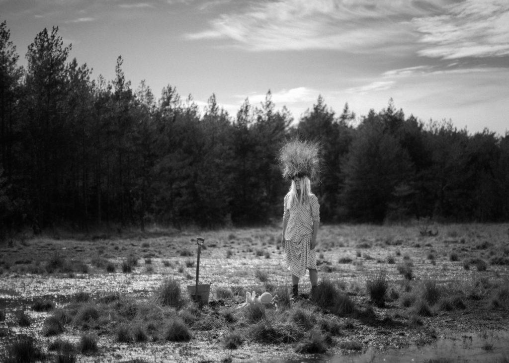 Depression Cure. Jessicas senaste projekt handlar om gammal läkekonst och ritualer. Bildserien kommer att bli en utställning eller en bok.